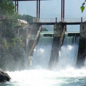 Чемальская_ГЭС._Мощьный_поток_resize